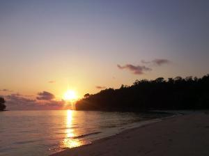 Sunrise di pantai Larang